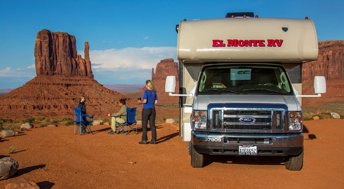 El Monte camper in Monument Valley